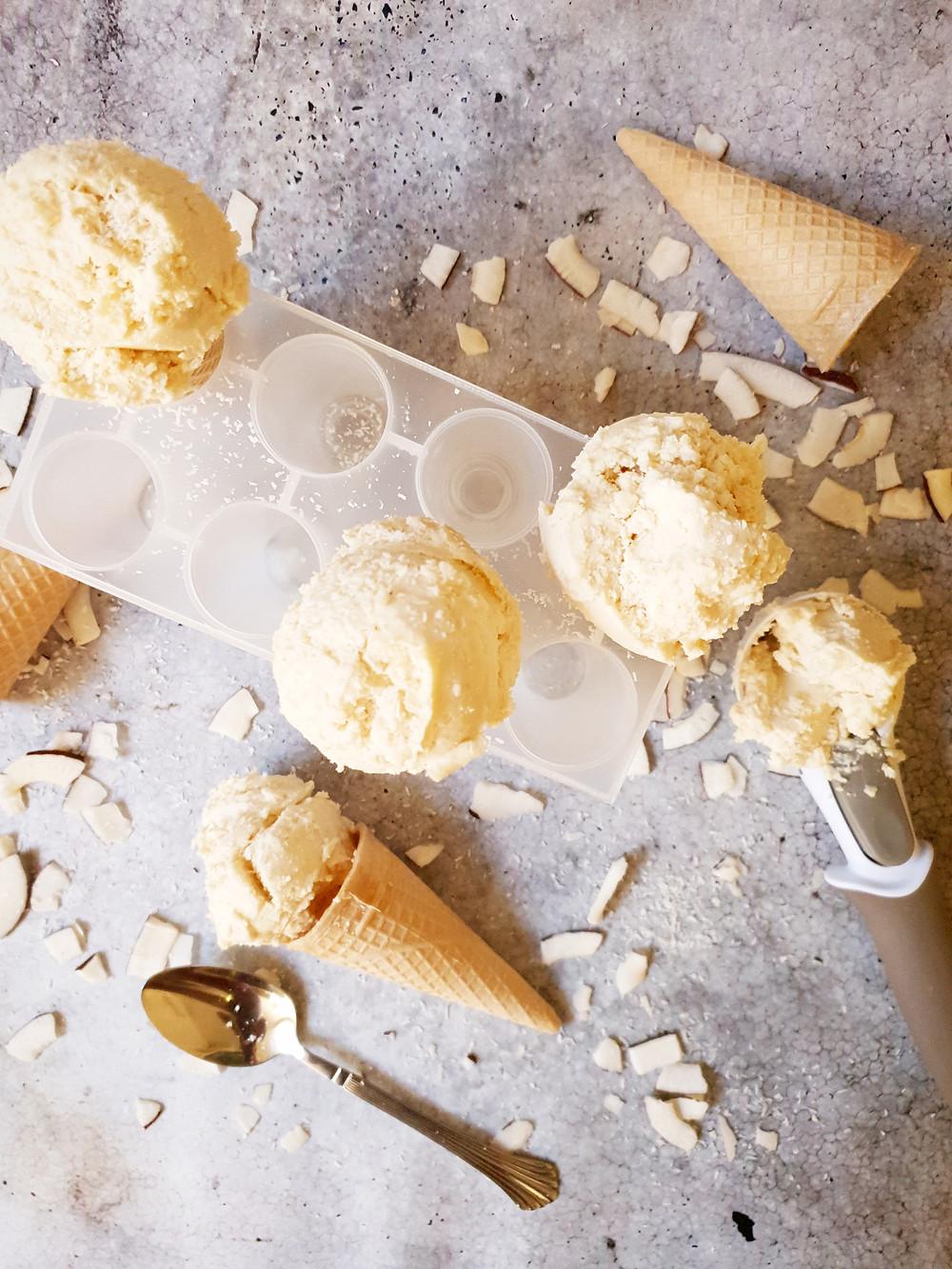 גלידת וניל קוקוס טבעונית