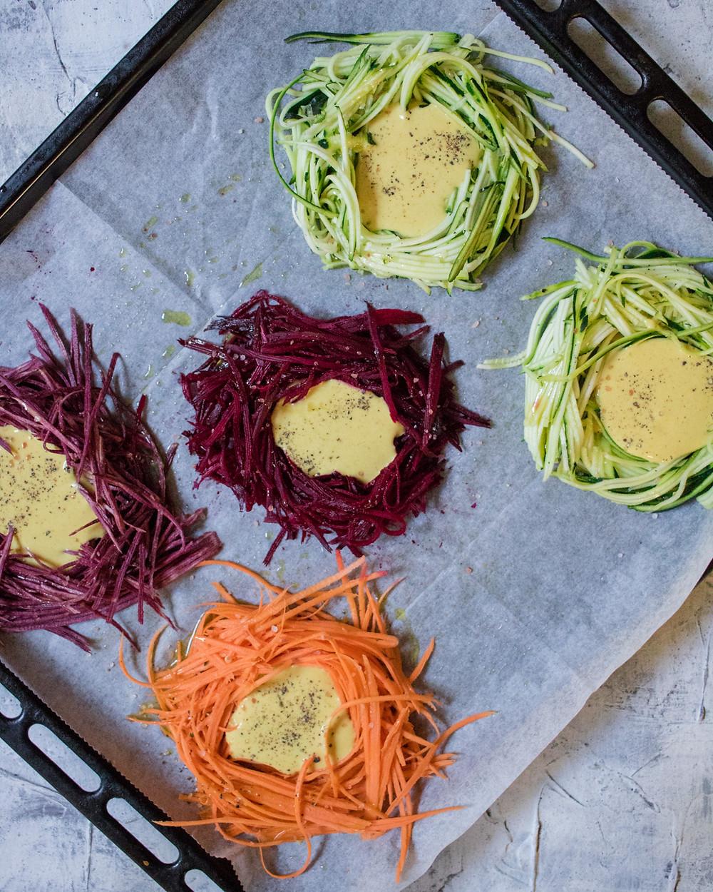 חביתת קמח חומוס טבעונית בתוך ירקות אפויים מנה טבעונית וללא גלוטן