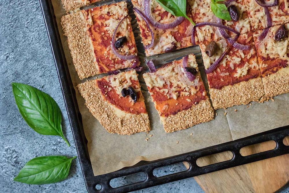 פיצה טבעונית ללא גלוטן מחומוס פיצה בריאה