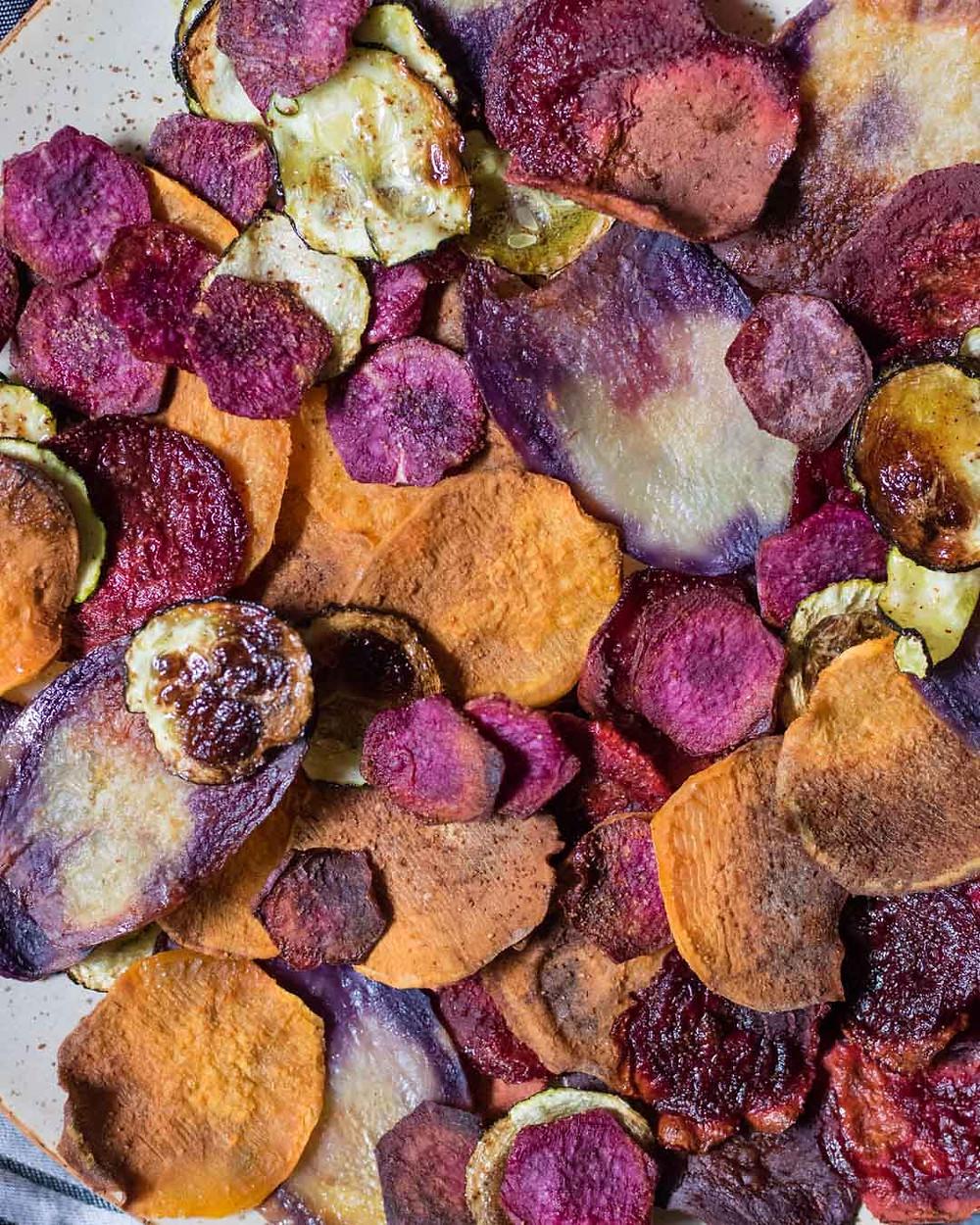 צ'יפס ירקות אפוי טבעוני ללא גלוטן בריא