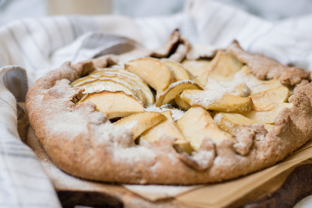 גאלט תפוחים וקינמון מקמח כוסמין מלא קינוח טבעוני