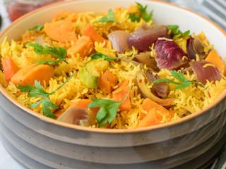 אורז צהוב בתנור שמוכן ברגע