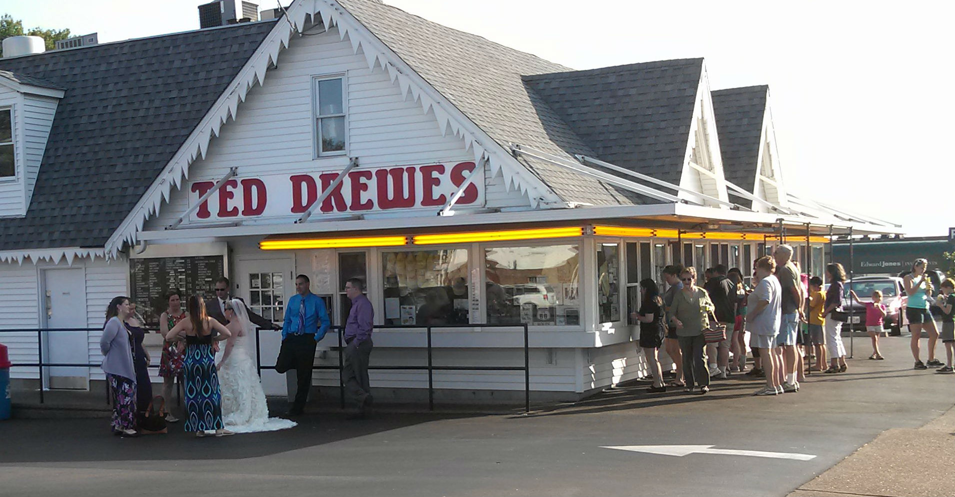 Bridal Party at Ted Drewes