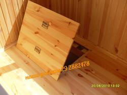 деревянный люк в полу