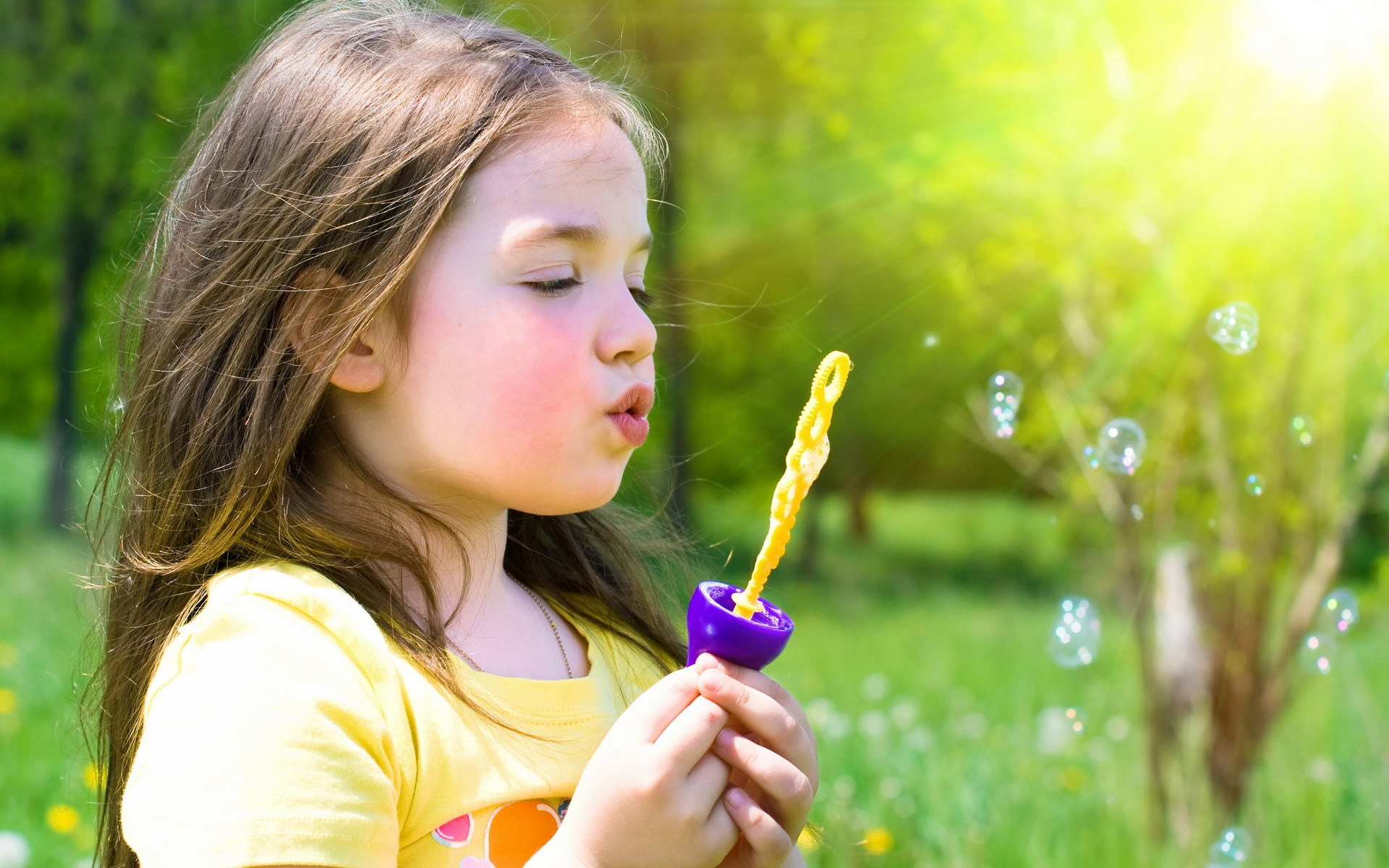 child-girl-bubbles-grass-hobby-breathing
