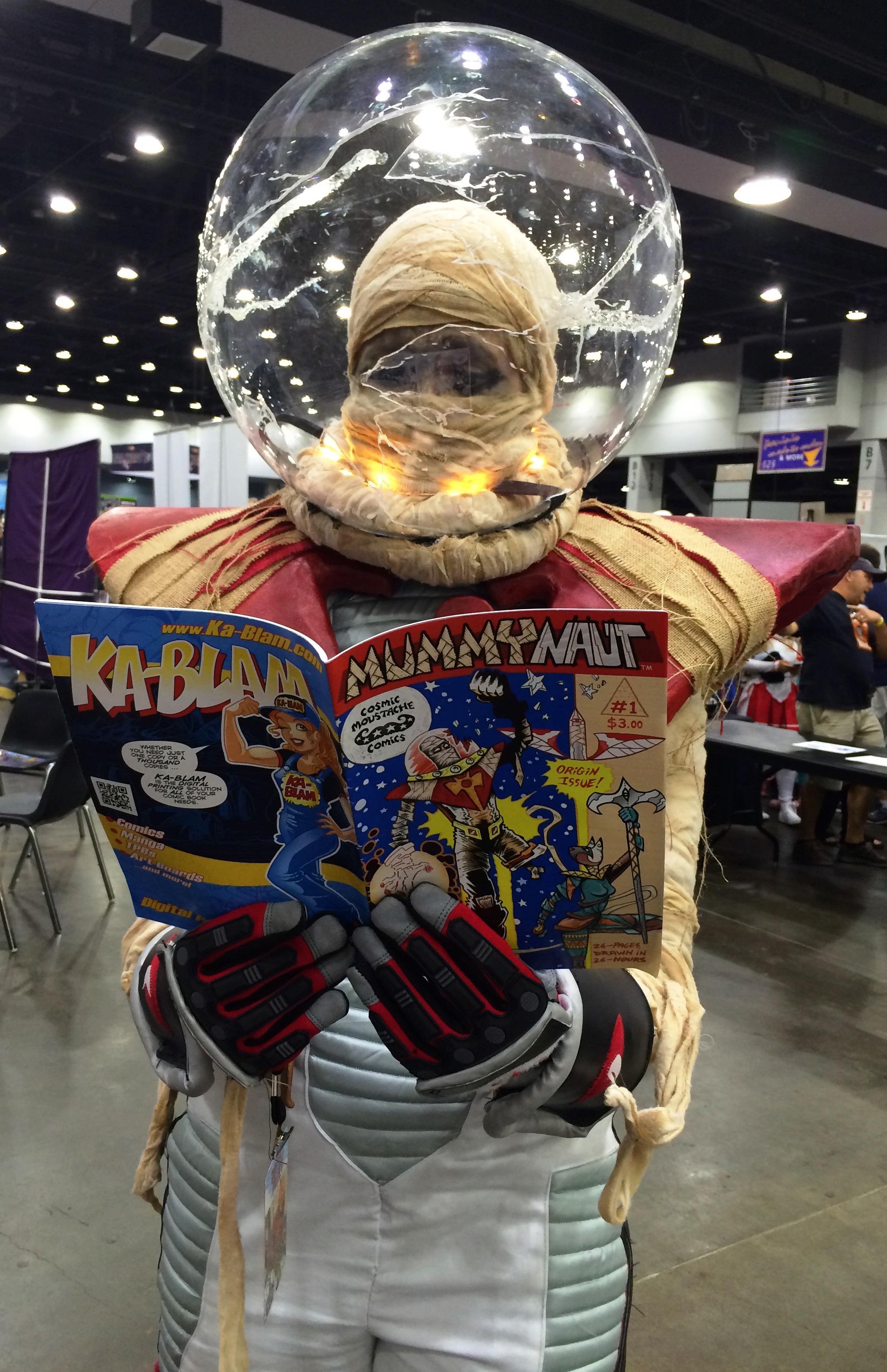 Mummynaut reads Mummynaut!
