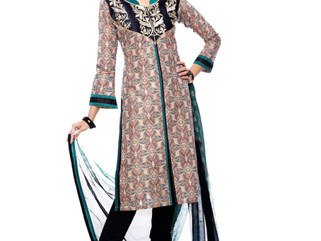 Checkout an awesome Salwar Kameez from Mughal times