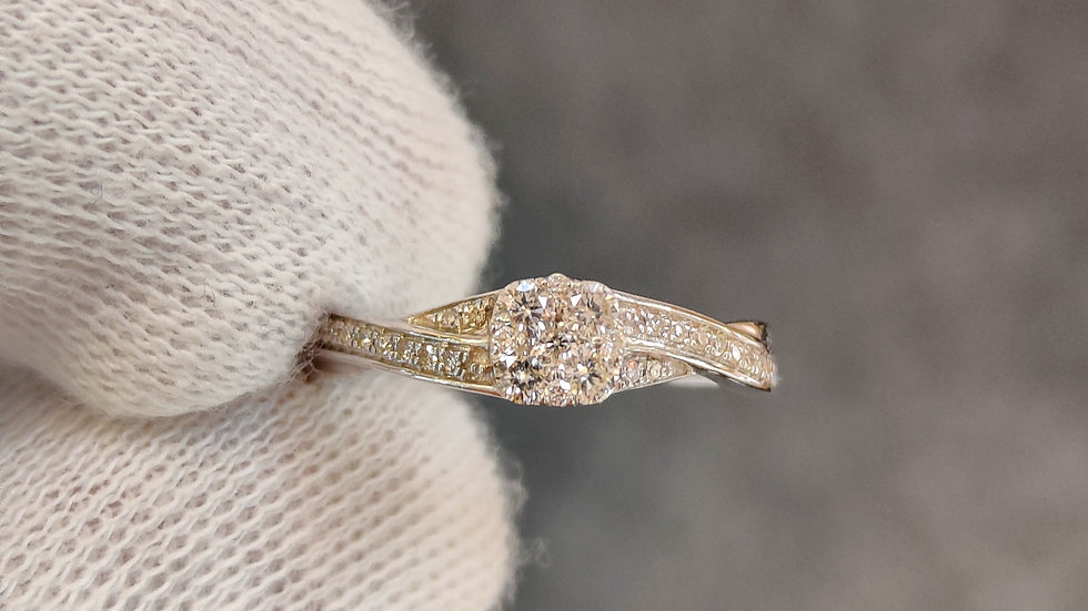 White Gold & Diamond Twist Ring