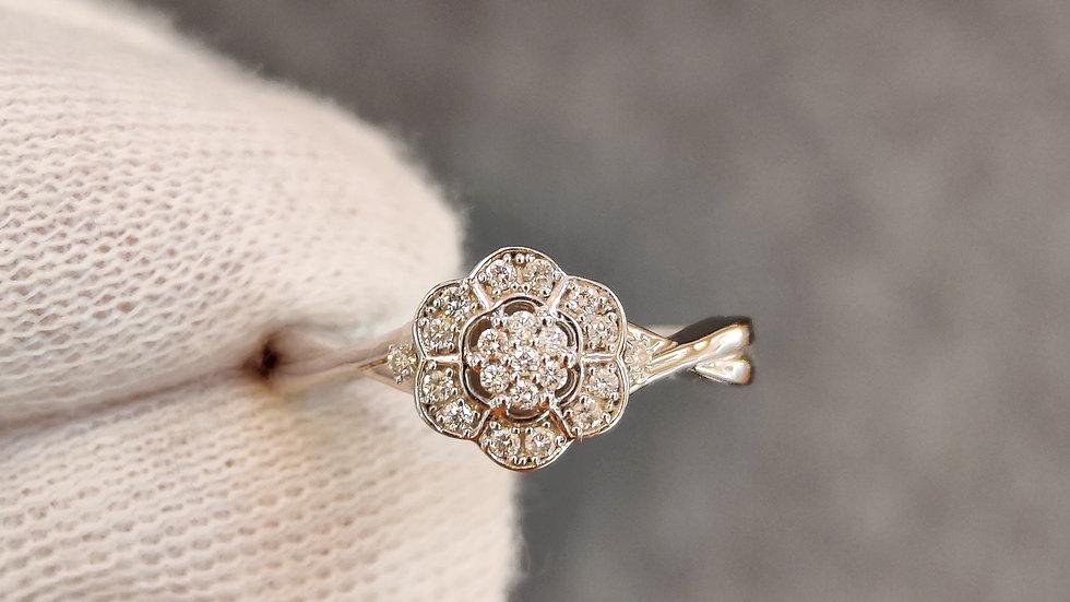 White Gold & Diamond Art-Deco Ring