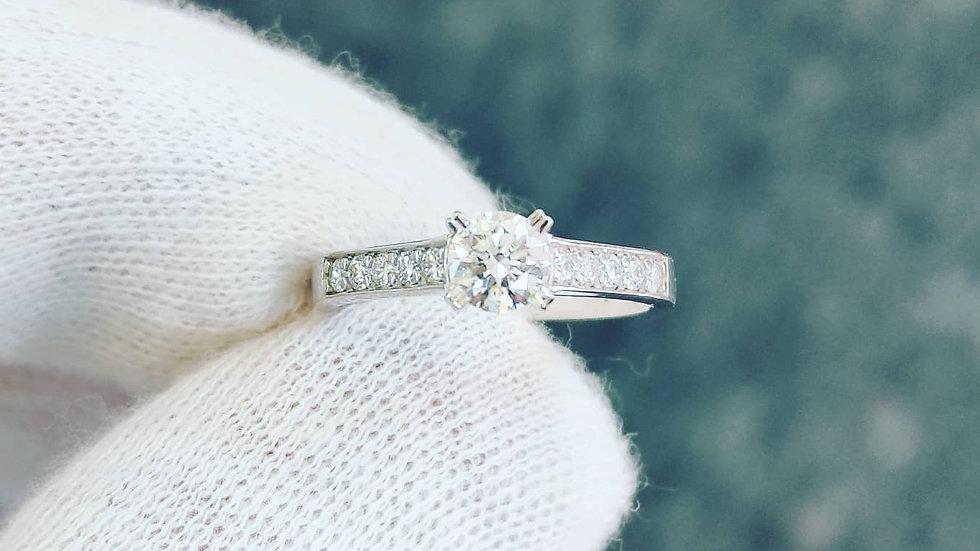White Gold & Diamond Solitaire/ Shoulder Set Ring