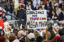 Donald Trump stumps for Henry McMaster images-0218