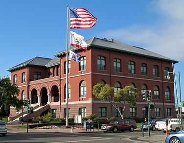 Alameda_City_Hall_(Alameda,_CA)_2.jpeg