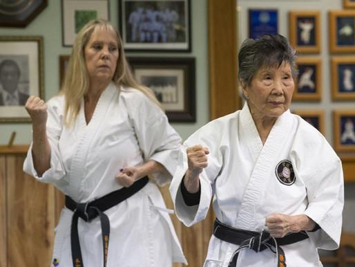 Egy 90 éves sensei szenvedélye a karate iránt