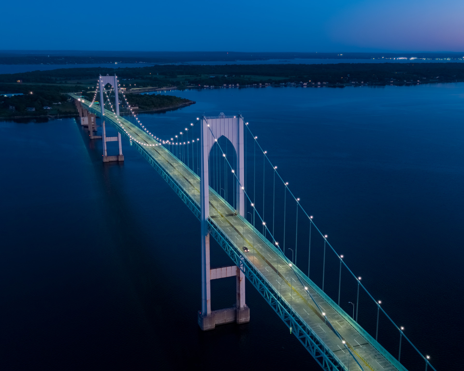 Newport_Pell_Bridge_boston-aerials.com.j