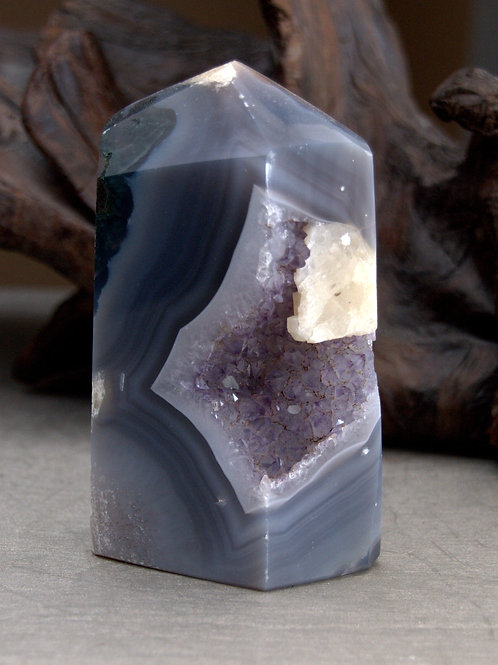 agate amethyst point