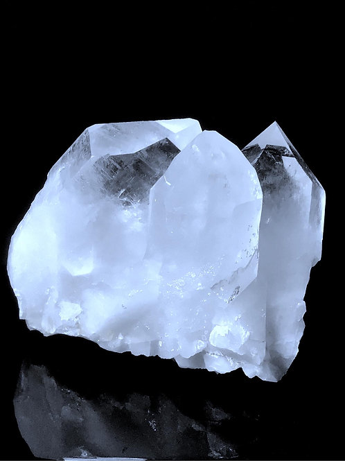 Q1571 / 3.46 lb quartz cluster