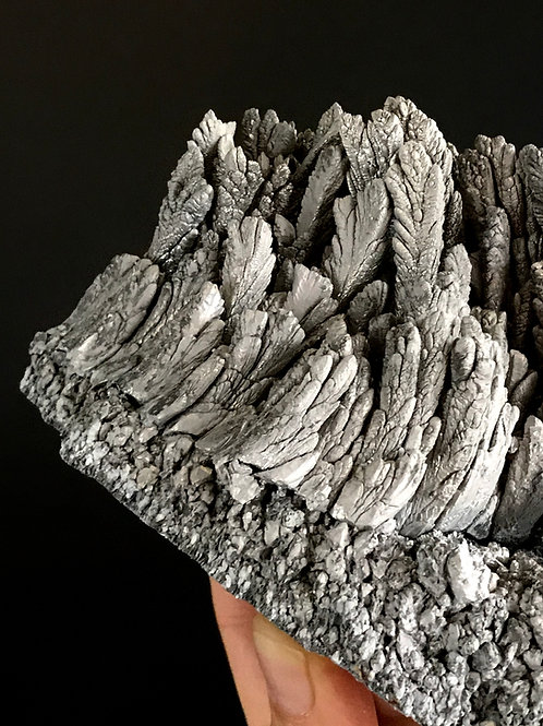 """6"""" // 1.67lb magnesium ore"""