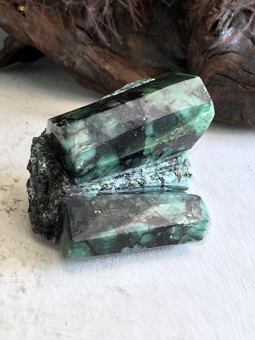 0.72 lb raw emerald collector specimen