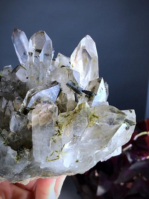2.85lb transparent quartz cluster with epidote