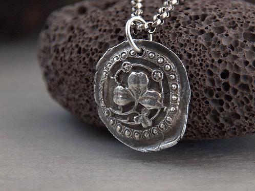 trifolium charm necklace