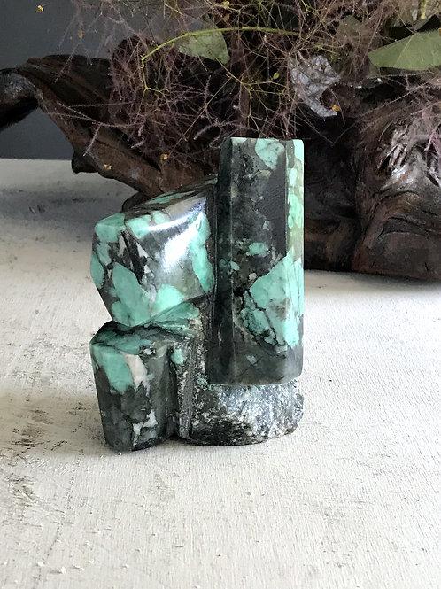 1.09 lb raw emerald collector specimen