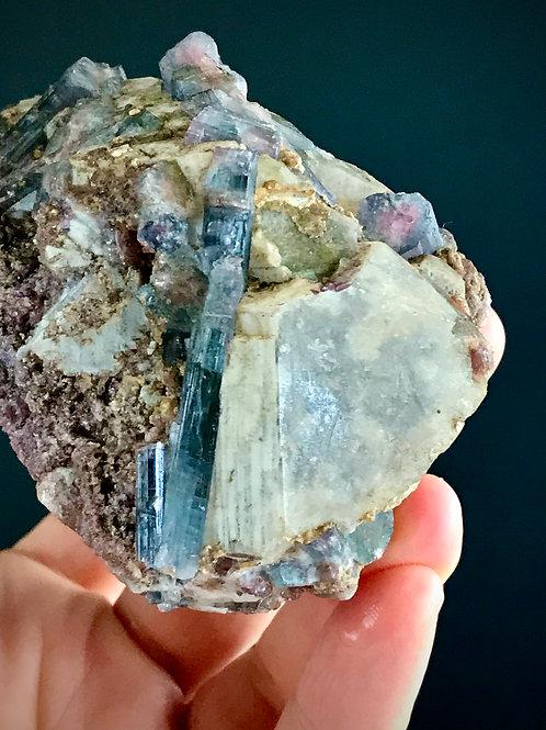 T 035//369 ◦◦0.81lb◦◦  tourmaline on quartz
