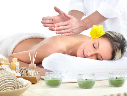 Aromatherapy Hot Stone Body Massage