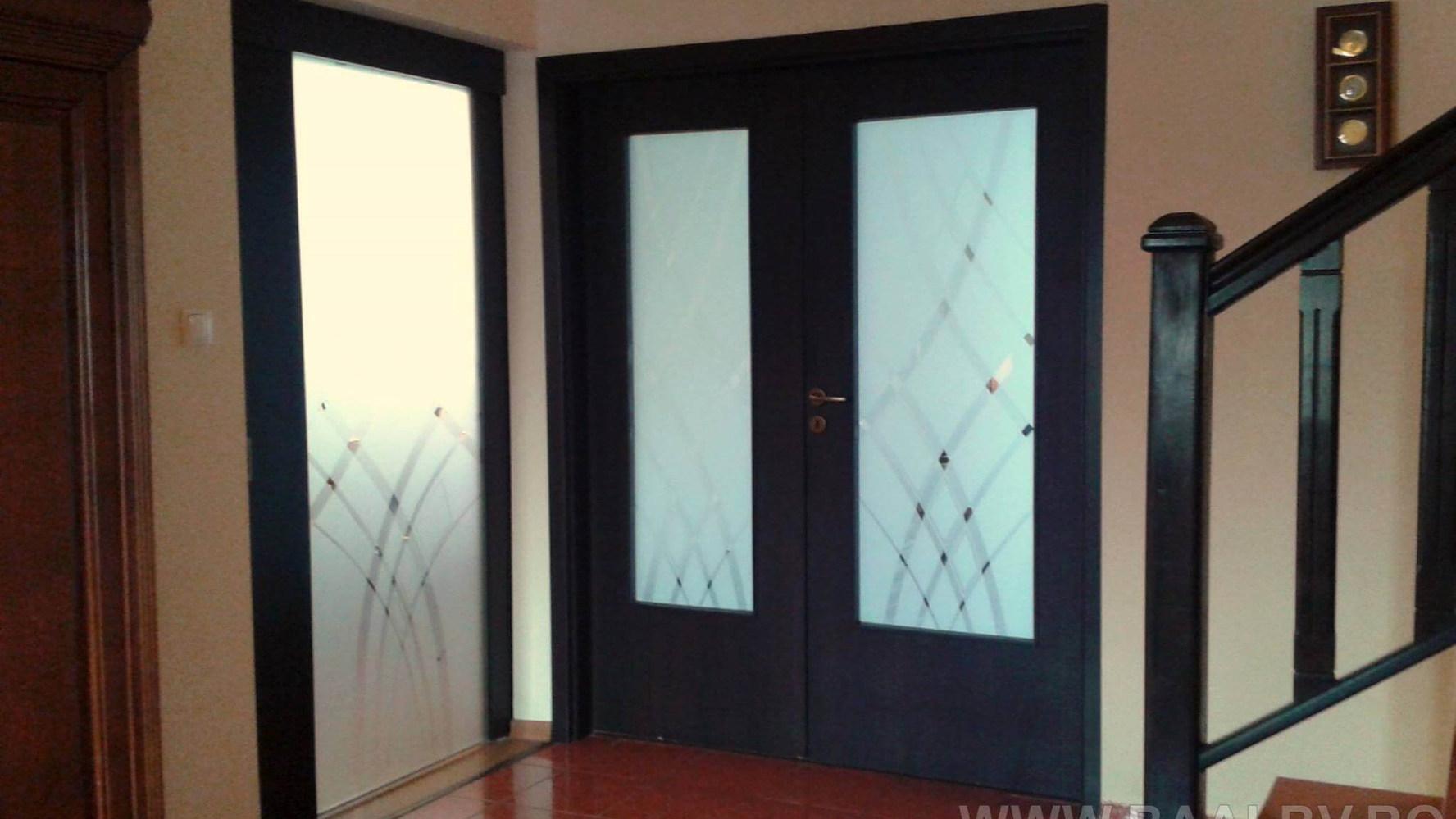 usa-dubla-din-lemn-interior-cu-sticla.jp