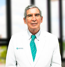 Dr. Carlos Castellanos 2.jpg