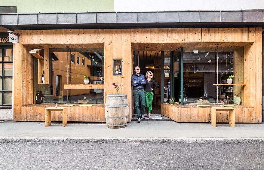 Die Weinkiste in St. Johann in Tirol freut sich auf Ihren Besuch