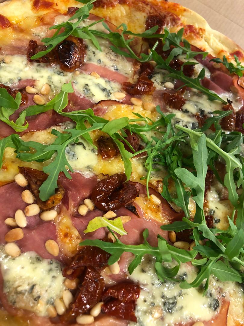 pizza-italiano-vrijdag-pizzadag-vierhout
