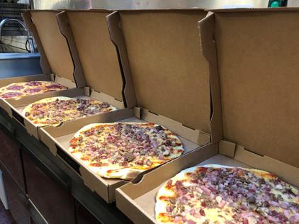 pizza-afhalen-vierhouten-boswachter.jpg
