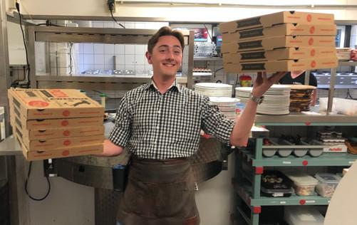 bjorn-pizza-afhaal-bezorgen-vierhouten.j
