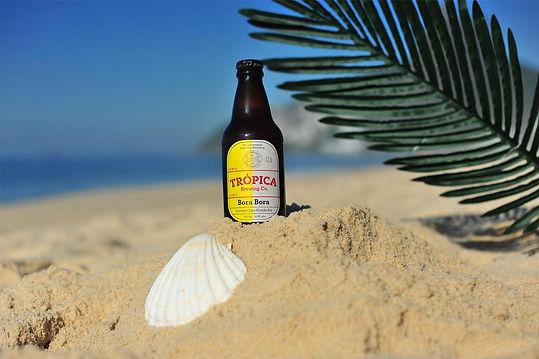 Trópica Bora Bora na areia da praia.