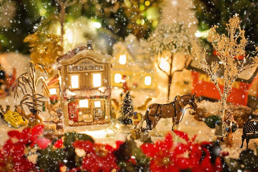 christmas-village-1088143_1920.jpg