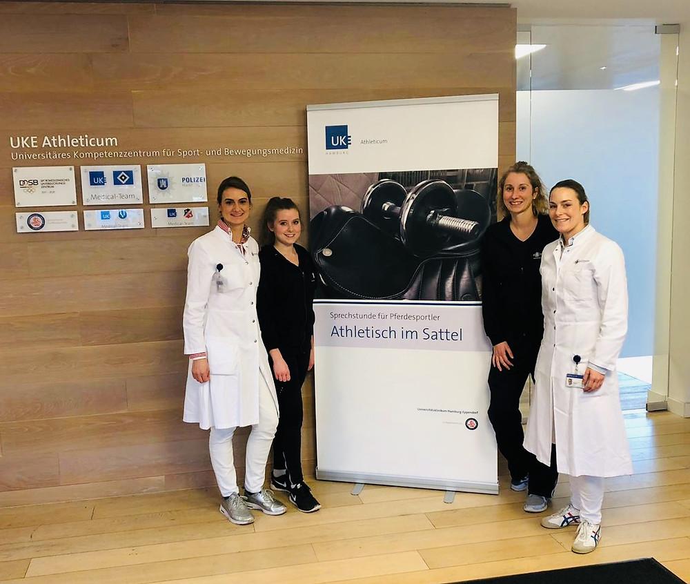 Das breite und sehr fundierte Spektrum, mit dem die Spezialsprechstunde mit Dr. med. Julia Schmidt und ihrem Team im UKE Athletikum in Hamburg aufgestellt ist, hat mich sehr begeistert!