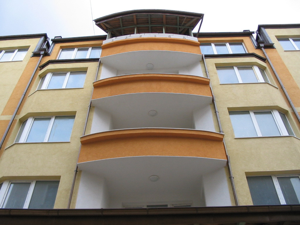 Жилищна сграда на улица Хайдушка гора, София