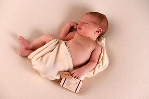 newborn_Félice_(130).jpg