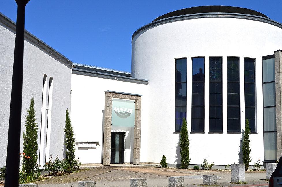 synagogue-2440932_1920.jpg
