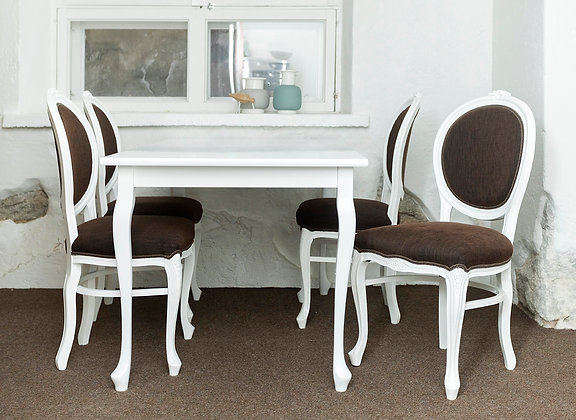 Klassikaline söögilaud ja toolid