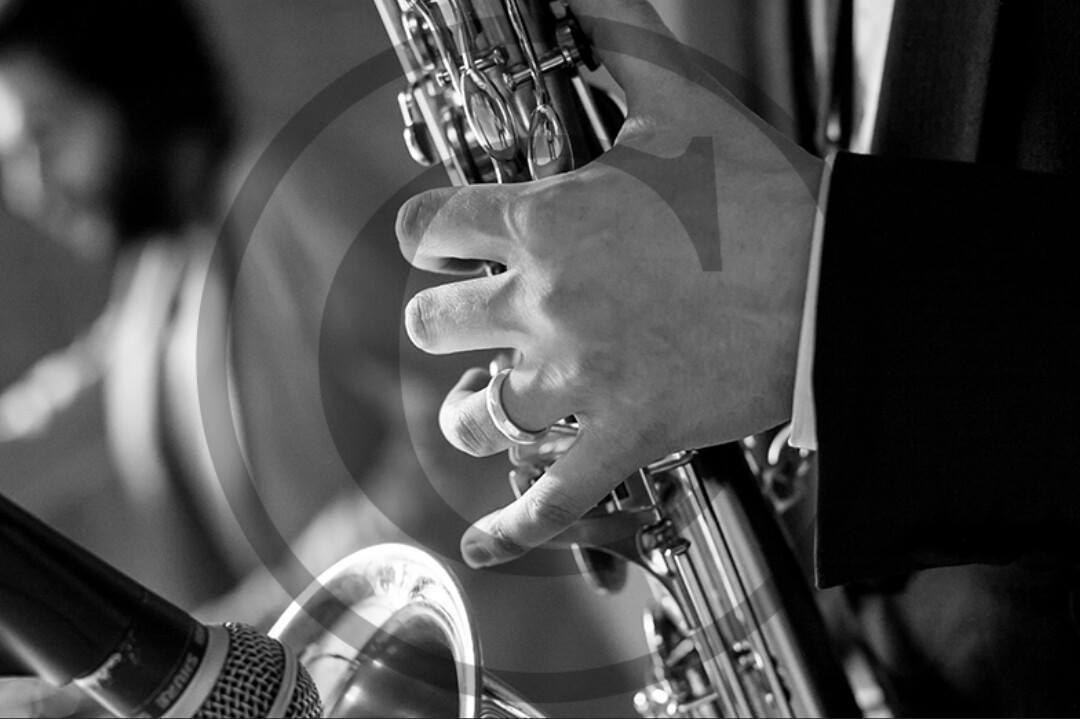 Saxophone & DJ