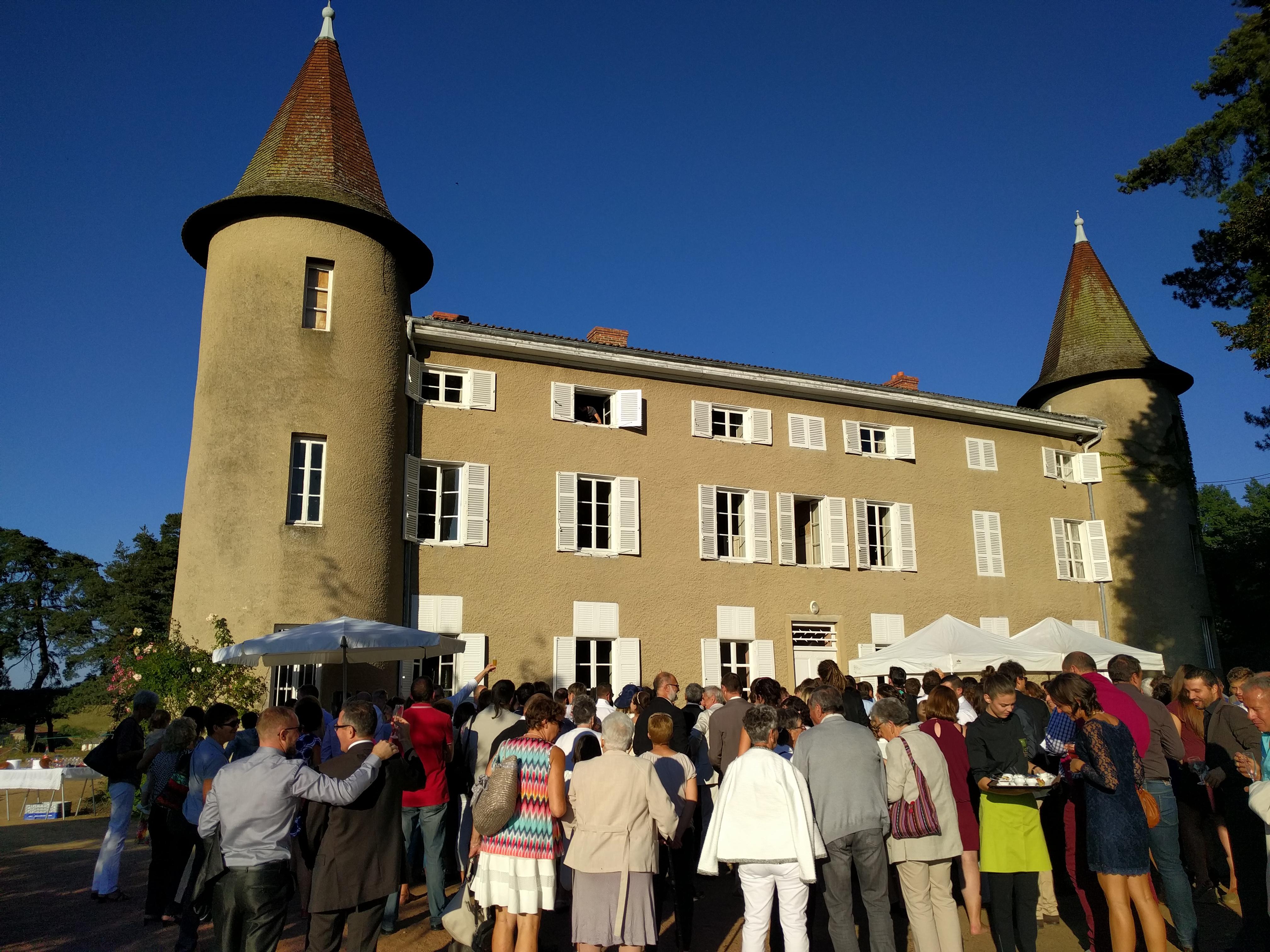 Scéance_photo_pendant_le_cocktail_au_Château_de_valsonnière