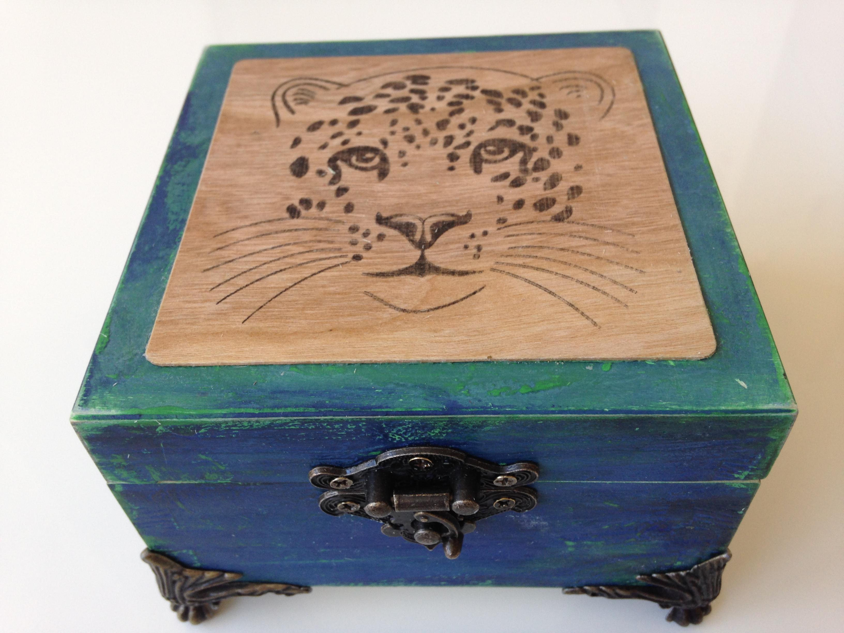 Originálna krabička s kovaním