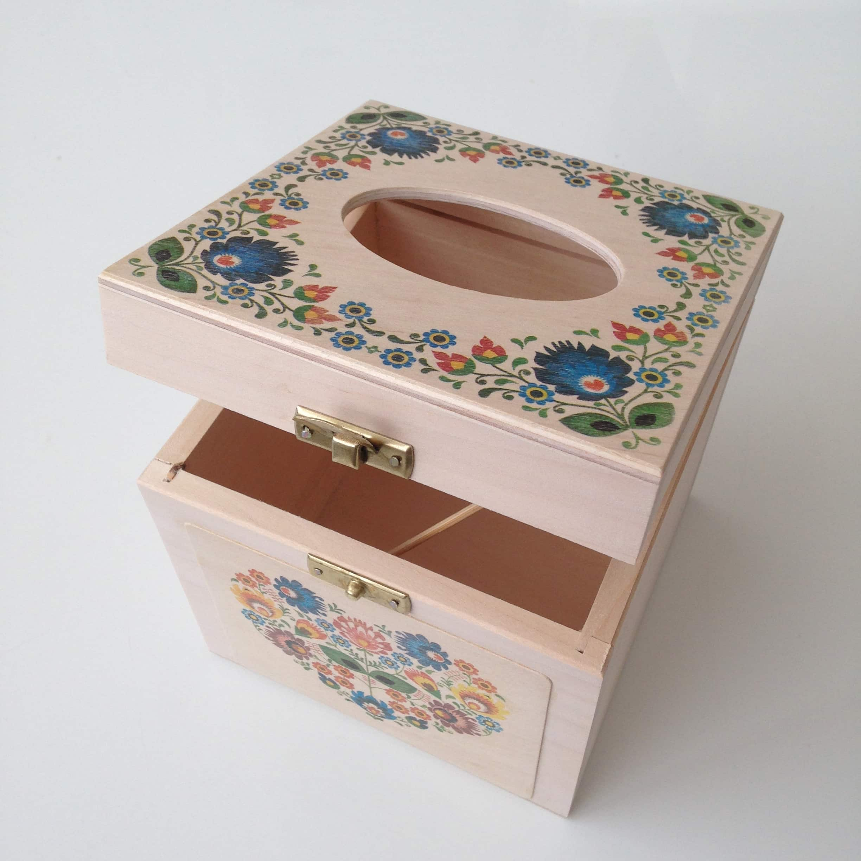 Square tissue box - Folk floral