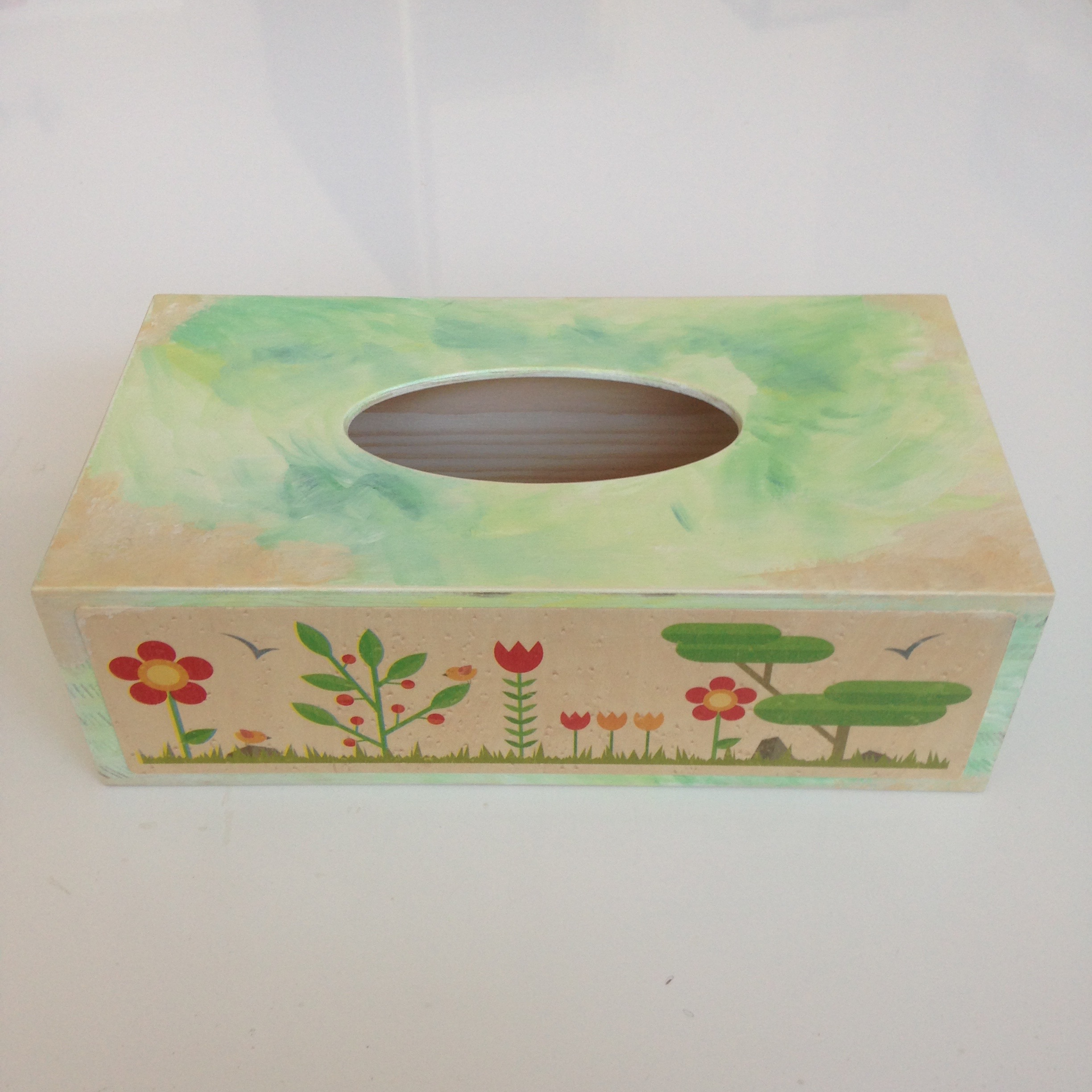 Nature themed tissue box