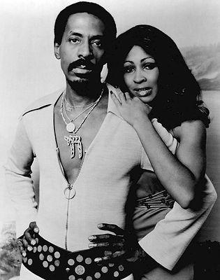 Ike_&_Tina_Turner_Midnight_Special_1974.