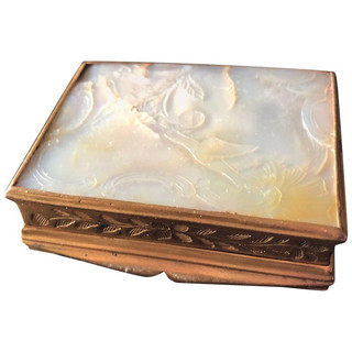 French Patch Box or Beauty Mark 'Marque de beauty/Mouches' Box