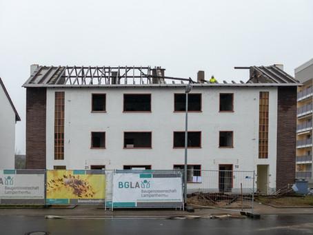 Erster Abschnitt im Weinheimer Weg abgerissen