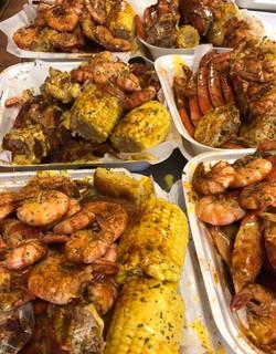 family seafood pans shrimp