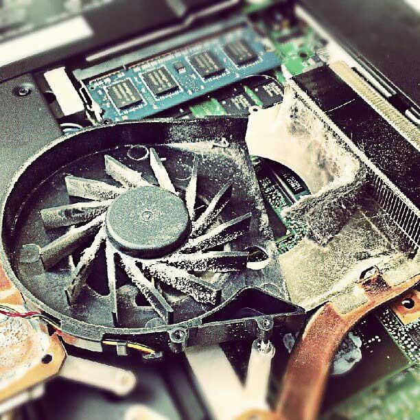 греется ноутбук, чистка кулера, чистка ноутбука, нагревается компьютер,  220бит 220bit, Клинцы